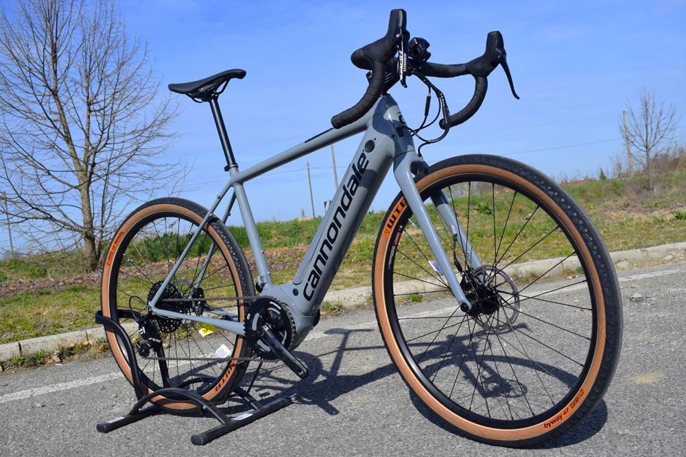 Cannondale Synapse Neo SE bici elettrica gravel
