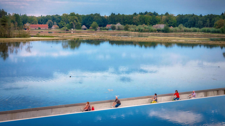 Mobe trail Cycling through Water pista ciclabile su acqua belgio 3