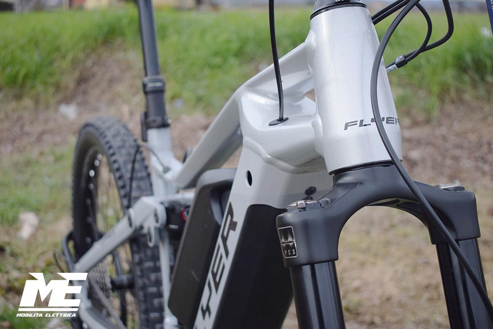 Flyer uproc3 4-10 doppia batteria tech10 ebike bosch bici elettrica bologna mobe
